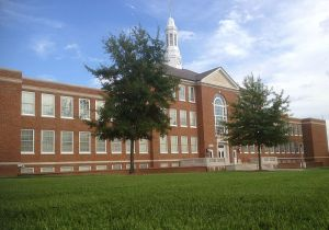 800px-Keeny_Hall_Louisiana_Tech